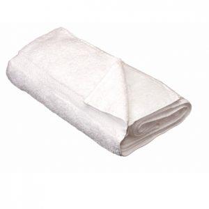מגבת לבנה עם רקמה